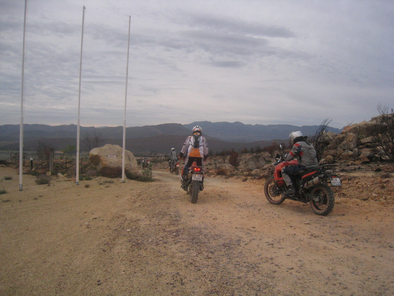 An assortment of big bikes. I was riding 650 KLR but most people were on KTM 990 Adventures, and BMW GSA1200s. One guy on old KTM Dakar rallye