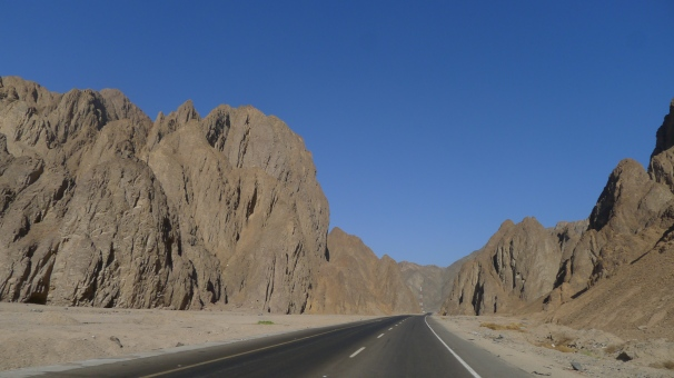 Cruising across the rocky desert towards the Red Sea coast