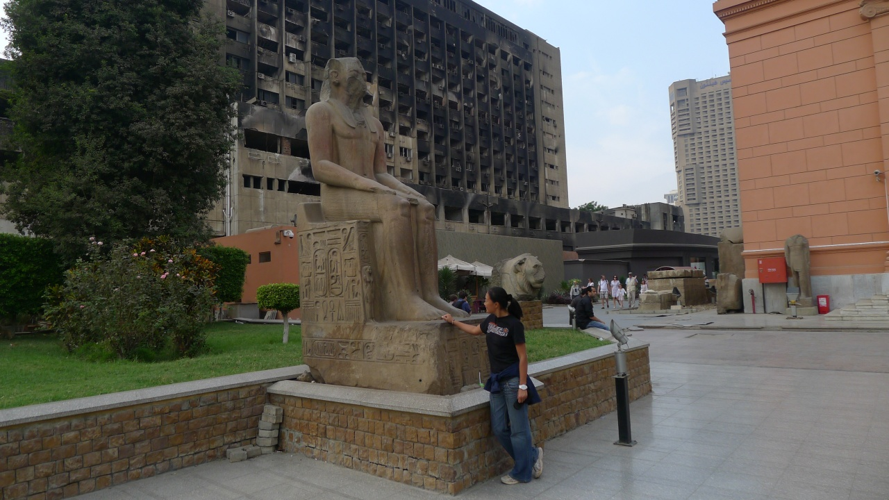 Fanny outside the Egyptian museum
