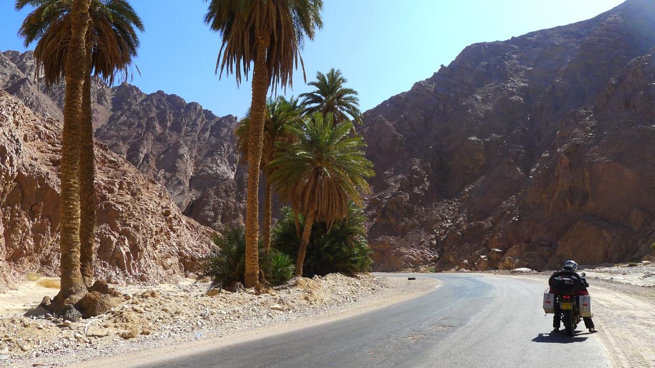 Heading back to Dahab via Nuweiba