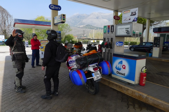 With an Africa Twin RTW rider in Italy ... met a petrol station as you do