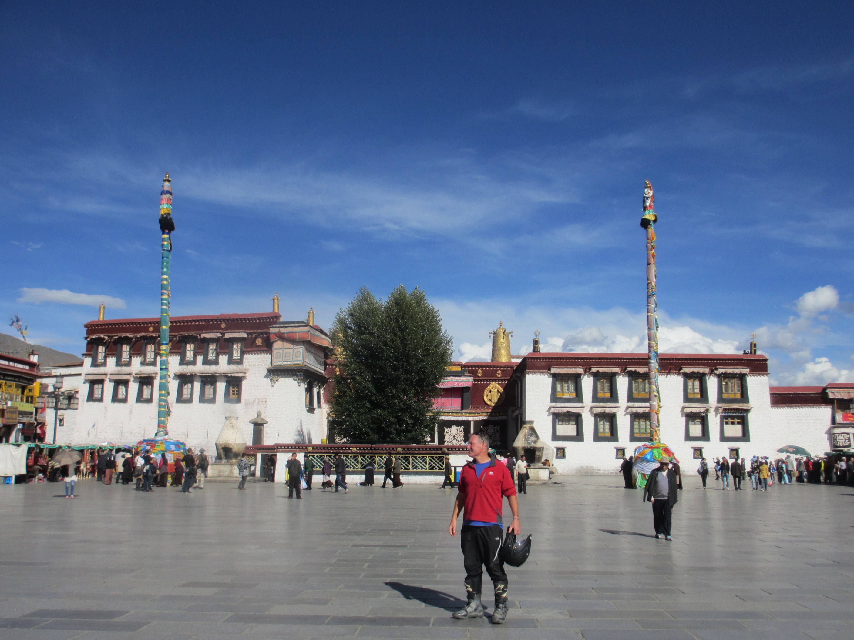 I lost my trainers and so I klomped about Lhasa in my riding boots... which got looks of admiring looks and comments from the Tibetans.